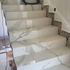 Serviços realizados pela Mix Company: Escadas  por MIX COMPANY CONSTRUÇÕES E REFORMAS