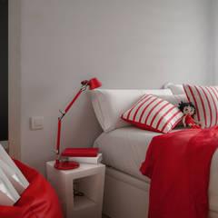 Reforma integral piso en Deusto - Vizcaya: Dormitorios de estilo  de Basoa Decoración