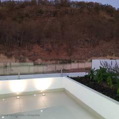 Roof terrace by AFG Construcción y Diseño,