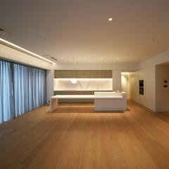 غرفة السفرة تنفيذ スレッドデザインスタジオ