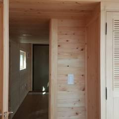 Media room by 풍경우드테크, Rustic