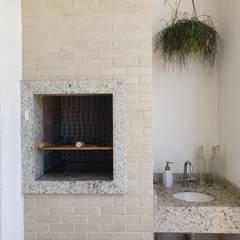 Apartamento PLM: Varandas  por Bloco Z Arquitetura