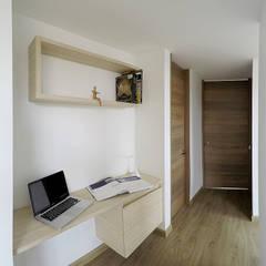 apartamento en Chia-Cundinamarca: Estudios y despachos de estilo  por TikTAK ARQUITECTOS