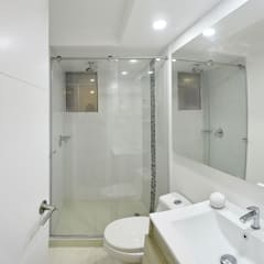apartamento en Chia-Cundinamarca: Baños de estilo  por TikTAK ARQUITECTOS, Moderno
