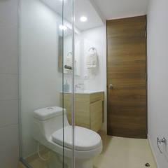 apartamento en Chia-Cundinamarca: Baños de estilo  por TikTAK ARQUITECTOS