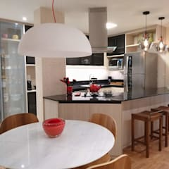 Small-kitchens by Maria Helena Torres Arquitetura e Design
