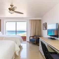 Bedroom by Punto Cero , Tropical