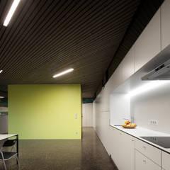 Heimspiel - Mehrgenerationenhaus in Eichgraben:  Küche von Franz&Sue