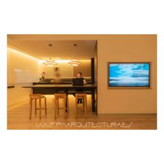 Casa P&P   Sitges Centro  Barcelona: Cocinas integrales de estilo  de FPM Arquitectura