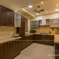 Kitchen units by The KariGhars