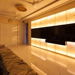 Modern 2bhk residence.:  Walls by Sagar Shah Architects