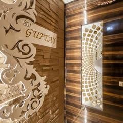 Puertas de entrada de estilo  por Sagar Shah Architects