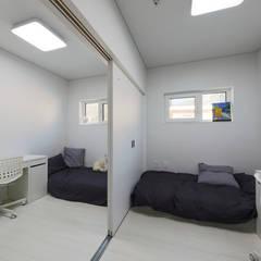 양평 문호리 단층주택: 바른주택의  침실