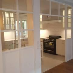 Apartamento de lujo: Cocinas de estilo  de GARMA+ZAMBRANO Arquitectura