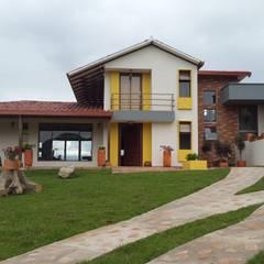 CABAÑA TRES SOLES: Casas campestres de estilo  por Ba arquitectos, Rural Madera Acabado en madera
