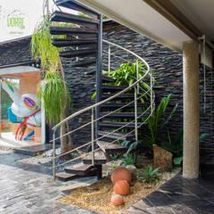 Rumah pedesaan by Voral Piedra