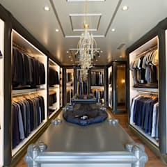 Classic style dressing room by O Design Classic
