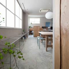早稲田のオフィス: Buttondesignが手掛けた商業空間です。