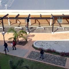 Bitumen Lab at Nelson Mandela University:  Front yard by noh ARCHITECTS