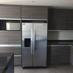 cocina integral: Cocinas equipadas de estilo  por Arquitecto-Villarino