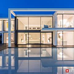 Beton House: styl , w kategorii Dom jednorodzinny zaprojektowany przez Beton House