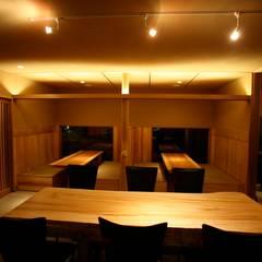 Projekty,  Gastronomia zaprojektowane przez 株式会社高野設計工房,