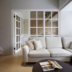 Doors by 耀昀創意設計有限公司/Alfonso Ideas