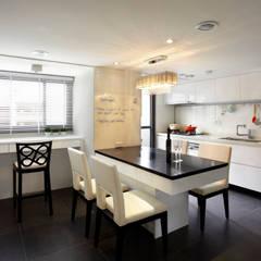 آشپزخانه by 耀昀創意設計有限公司/Alfonso Ideas