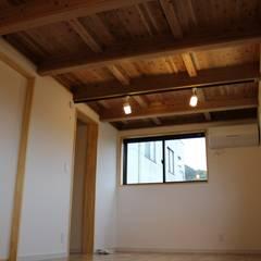 Teen bedroom by 新田建築設計室