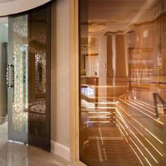 Sauna by Sia Moore Archıtecture Interıor Desıgn, Classic Wood Wood effect