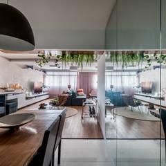 Apartamento Amplo, moderno e sofisticado no coração do Jardins Salas de jantar ecléticas por Studio Elã Eclético
