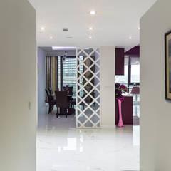 Beta İç Mimarlık – OBN Evi:  tarz Koridor ve Hol, Modern