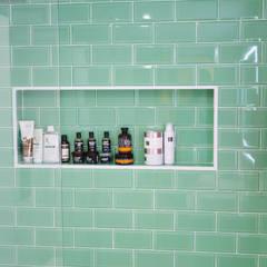 Reforma en vivienda particular, Barrio de Huelin, Málaga: Baños de estilo  de We Estudio Técnico