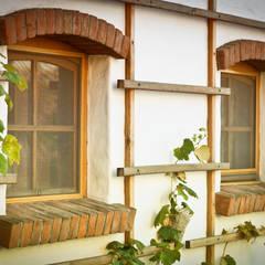Moskitiery ANWIS: styl , w kategorii Dom rustykalny zaprojektowany przez ANWIS Sp. z o.o.