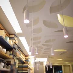 Obay Hotel:  Hotels by UpMedio Design , Modern