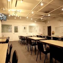 광주역동 L 키즈카페: (주)좋은디자인구디의  바 & 카페,모던