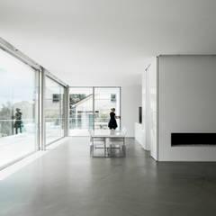 Villa von Stein:  Esszimmer von Philipp Architekten - Anna Philipp