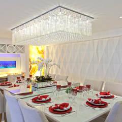 Apartamento Golden: Salas de jantar  por Designer de Interiores e Paisagista Iara Kílaris