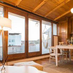 Casas pequeñas de estilo  por Arte y Vida Arquitectura