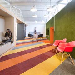 ARB: Estudios y despachos de estilo  por entrearquitectosestudio