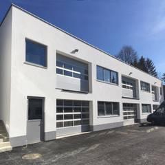 Die Lagerhalle mit Pfiff:  Geschäftsräume & Stores von archipur Architekten aus Wien