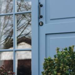 Wooden doors by Przedsiębiorstwo Bizmet Spółka z o.o., Classic Wood Wood effect