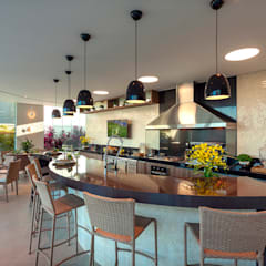 Casa Mont Blanc: Garagens e edículas  por Designer de Interiores e Paisagista Iara Kílaris