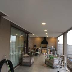 Terrazas, Quinchos: Terrazas  de estilo  por JORGE PALMA PAPIC E.I.R.L.