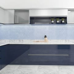 The modern Touche:  Kitchen by Raj Creation