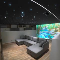 Salle de loisir: Electronique de style  par PSD Plafond Tendu,
