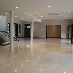 Luxury Bungalows @ Lorong Gurney Kuala Lumpur:  Living room by Mode Architects Sdn Bhd