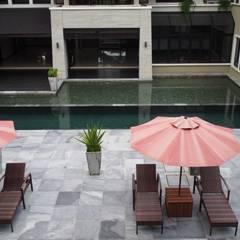 Luxury Bungalows @ Lorong Gurney Kuala Lumpur:  Terrace by Mode Architects Sdn Bhd, Tropical