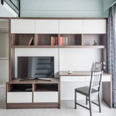 德廚臻品 室內設計公司의  작은 침실