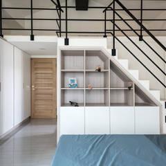 Dormitorios pequeños de estilo  por 德廚臻品 室內設計公司 , Asiático